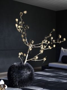 Piet Boon Styling by Karin Meyn | Sea urchin vase