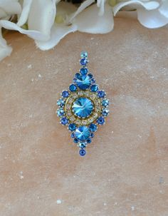 Sparkling bindi in blue from Tribal Bindi
