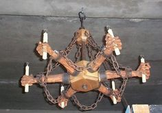 Szekérkerék Overview of an awesome Corpse Chandelier DIY project!    Remember to check out our halloween store http://deals.dreadcentral.com