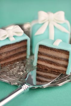 Mini Tiffany cakes, adorable!