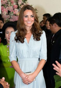 TheLK Bennett Natalie Natural Clutch made another appearance, while Kate attended a luncheon with the Prime Minister of Kuala Lumpur.