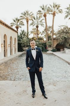 This bride stuns in a Hayley Paige wedding dress that she wore to her wedding at Historic 1929 Royal Palms Resort and Spa. The Historic Royal Palms Resort has a beautiful backdrop perfect for a wedding featuring pastel colored bridesmaid dresses, beautiful flowers by Bloom and Blueprint Event Co., a macaron bar and a spectacular sparkler exit. Wedding GOALS!  #ruffledblog