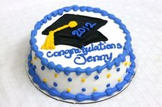 Do you know graduation cakes has become the most popular topics in this category? That is why we were presenting this topic at this time. We took this model on the net we feel would be one of the most characteristic photos that is graduation cakes fo Graduation Cake Designs, College Graduation Cakes, Graduation Cupcakes, Graduation Ideas, Preschool Graduation, Pistachio Cake, Bowl Cake, Occasion Cakes, Girl Cakes