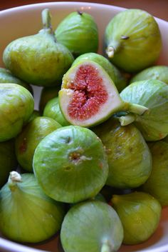 Growing wild in the forest - Foraged green figs.