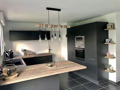 Cuisine de @construction_gr : Façades Ombre Soft et plan de travail Hipster Wood - Cuisinella