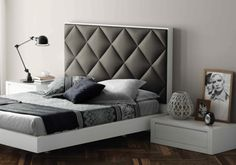 Cabezal tapizado de la colección Aiko. #bedroom, #dormitorio, #upholstery Bed Headboard Design, Bedroom Bed Design, Headboards For Beds, Modern Bedroom, Bedroom Decor, Bed Furniture, Furniture Design, Bed Back Design, Casa Loft