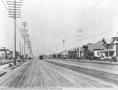 The Los Angeles and Pasadena Electric Railway laid down the first interubran electric railway in Souther California in 1895, bringing passengers through Highland Park. | Image courtesy of the USC Digital Library