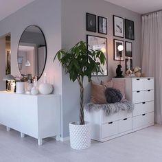 61 minimalist bedrooms ideas with cheap furniture 29 61 minimalist bedroom ideas with cheap furniture 28 Home, Room Interior, Living Room Decor, Living Room Interior, House Interior, Apartment Decor, Minimalist Bedroom, Room Decor, Bedroom Decor