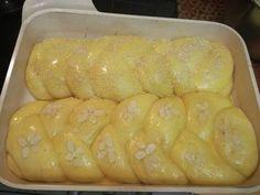 Τσουρέκια εύκολα στο πι και φι !!! Υλικά 500 γραμμάρια ζάχαρη 300 γραμμάρια βούτυρο λιωμένο 400 γραμμάρια γάλα φρέσκο 7 αυγά 1500 γραμμάρ...