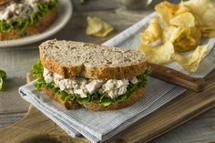 Learn how to make a satisfying creamy chicken salad, no mayo needed! Add it to your weekly meal prep for a quick and healthy lunch or dinner. Chicken Salad No Mayo, Greek Yogurt Chicken Salad, Chicken Salad With Apples, Chicken Curry Salad, Chicken Salad Recipes, Fried Chicken Salad Sandwich, Meat Salad, Chicken Salads, Creamy Chicken