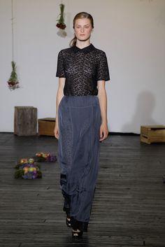 Araks Spring 2011 Ready-to-Wear