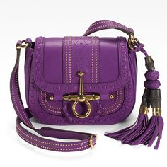 Gucci Spring 2012: the Snaffle Bit Small Flap Leather Shoulder Bag. A bag just big enough for yr lipstick, ID, credit card & phone: perfect.