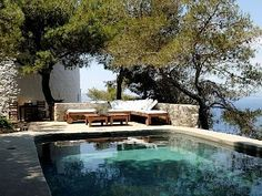 Windmill , Hydra Island: Holiday house for rent from £1483 per week. Read 10 reviews, view 24 photos, book online with traveller protection with the owner.