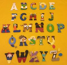 The alphabet made up of different Disney characters. Great for a daycare or a kids room! Disney Diy, Arte Disney, Disney Crafts, Disney Letters, Disney Alphabet, Painted Wood Letters, Wooden Letters, Alfabeto Disney, Character Letters