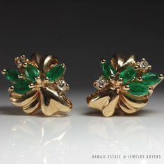 see more #vintagejewelry and #estatejewelry on our website! (link in bio). #VINTAGE NATURAL #EMERALD DIAMOND CLUSTER STUD EARRINGS 14K YELLOW GOLD PIERCED NR #Stud