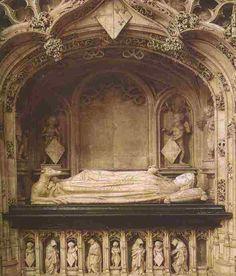 Le tombeau de Marguerite de Bourbon (la mère de Philibert) n'est composé que d'un gisant en marbre (pas de transi). Il est installé en enfeu dans le mur avec des moines pleurant