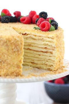 Napoleon Cake - Olga's Flavor Factory - - Napoleon Cake is a classic Russian cakes, made of very thin and flaky puff pastry cake layers and a smooth, rich and luscious pastry cream in between the layers. Puff Pastry Desserts, Puff Pastry Recipes, Pastry Cake, Napoleon Pastry, Napoleon Dessert, Napoleon Cake Russian, Classic French Desserts, British Desserts, Russian Cakes