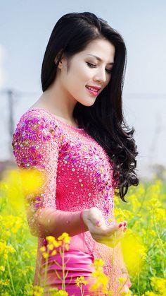 Beautiful Girl Image, Beautiful Asian Girls, Beautiful People, Oriental Fashion, Asian Fashion, Women's Fashion, Pakistani Wedding Outfits, Vietnamese Dress, China Girl