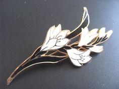 Cloisonné Enamel Flower Lily Floral - Fish & Crown Brooch black gold cream