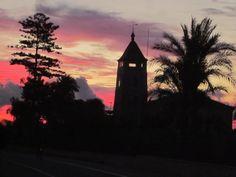 Amanecer rojizo a finales de Octubre, en la pedanía rural ilicitana de Asprillas (ELCHE).