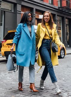 ShopStyle Look by SydneStyle featuring Theory Boy Coat and Agolde Riley Crop High Rise Straight Jean in Zephyr Komplette Outfits, Winter Outfits, Casual Outfits, Fashion Outfits, Workwear Fashion, Fashion Blogger Style, Fashion Week, Fashion Blogs, Fashion Websites
