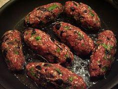 Græske farsruller med citron-kartofler……. Eat Greek, Good Food, Yummy Food, Danish Food, Greek Recipes, Tandoori Chicken, Tapas, Foodies, Dinner Recipes
