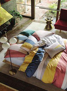 Un design australien signé Linen House chez Simons Maison.  Cette housse est…
