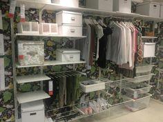 S garderob Algot system Walk In Closet Design, Bedroom Closet Design, Bedroom Wardrobe, Wardrobe Closet, Closet Designs, Master Closet, Ikea Algot, Home Organisation, Organization
