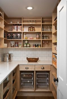 34 Farmhouse Pantry Ideas - Farmhouse Goals Pantry Laundry Room, Kitchen Pantry Storage, Kitchen Pantry Design, Pantry Organization, Kitchen Pantries, Pantry Closet, Kitchen Units, Organizing, Kitchen Decor