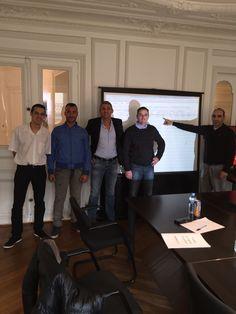 +900€!!! les nouveaux juniors passent leur premières opérations avec Luc Vaudan et réalisent près de 900€ en 10mn!!!! Ils sont bluffés par la formation trading le carnet d'ordres !