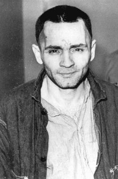 "Charles Manson en route to court showing a swastika on his head. During the trial, Manson carved an X on his forehead, showing he was ""X""ed out of society. The X was gradually modified until it turned into a swastika Creepy History, Charles Manson, Evil People, Horror, Sharon Tate, Sociopath, Criminal Minds, Serial Killers, True Crime"