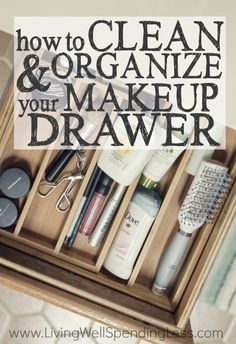 Is a messy bathroom slowing down your morning routine (or driving you crazy?) Don't miss these easy & practical tips for how to clean & organize your bathroom drawer (& keep it that way!)