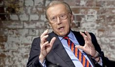 David Frost has died of a heart attack while on Cunard's Queen Elizabeth.