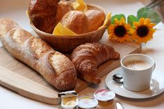 Cada despertar es un nuevo amanecer contigo. ☕ #coffee #coffeelovers #jamon #ham #oil #aceite #queso #SinLactosa #cheese #fruta #fruit #dulces #zumo #orange #TiendaOnline #Gourmet #bottleandcan #Granada #Andalucia #Andalusia #España #Spain #instagram #rrss www.tienda.bottleandcan.com ☕  +34 958 08 20 69  +34 656 66 22 70