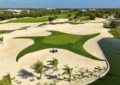 Campo de golf en el complejo de los hoteles Iberostar, Bávaro, Punta Cana, R.D.