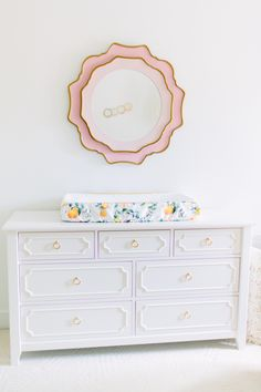 When I have children one day (which will be a very long time from now), I will be calling up Jana Bek Design to design the nursery, because this one is pure perfection. Sweet and feminine without being prissy and cliché, this is a space little Georgia can grow up with. And the fact that it was done […]