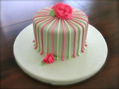 Pink And Green Stripes. Red velvet with white chocolate cream cheese icing. Girly Birthday Cakes, Vintage Birthday Cakes, Gorgeous Cakes, Amazing Cakes, Chocolate Cream Cheese Icing, White Chocolate, Fondant Cakes, Cupcake Cakes, Cake Decorating Techniques