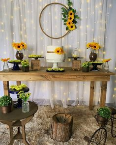 The Sunflower themed party can be a beautiful option for birthdays, weddings, baby showers and so many other events. Sunflower Party Themes, Sunflower Wedding Centerpieces, Sunflower Birthday Parties, Birthday Party Decorations, Table Decorations, Sunflower Baby Showers, Desert Table, Baby Girl Shower Themes, Marie