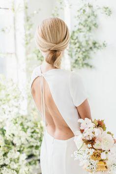 Chic Photomontage, Bridal Looks, Bridal Style, Scandinavian Wedding, Bridal Hair Inspiration, Minimal Wedding, Wedding Hair Accessories, Neue Trends, Wedding Hairstyles