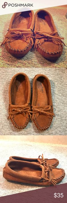 70600f0d6 Minnetonka Brown Moccasins Great condition, only worn two times. Super cute  and comfortable Moccasins. SapatosMocassinsSapatos ...