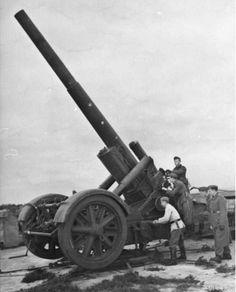 21 cm Mrs 18 heavy howitzer, Lapland, Norway, photo 2 of 2 Lappland, Ww2 Photos, Photographs, Naval, Big Guns, Korean War, German Army, American Civil War, Native American