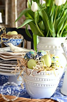 SPRING KITCHE TABLE VIGNETTE