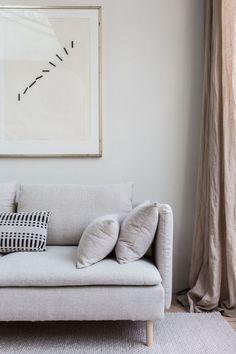 This stunning living room belongs to Holly of Avenue Design Studio Cozy Living Rooms, Living Room Interior, Living Room Decor, Living Spaces, Ikea Interior, Söderhamn Sofa, Ikea Sofa, Ikea Rug, Natural Sofas