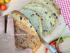 Zelf heerlijk olijvenbrood met oregano bakken. Recept Xandra Bakt Brood. Cooking Bread, High Tea, Banana Bread, Vegan, Dinner, Desserts, Recipes, Food, Healthy