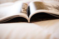 http://www.chemanaranjo.com/el-libro-de-marta-e-isaac-suave-seda-de-ciruela/    Libro-de-arte-en-bodas