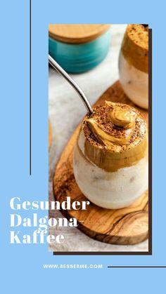 Beim Anschauen von Instagram Posts oder Storys seid ihr sicher schon auf ein Foto mit diesem cremigen Kaffee gestossen. Der sogenannte Dalgona-Kaffee ist ein Trend auf allen Social Media Kanälen. Da das Originalrezept viel Zucker enthält, haben wir euch eine gesündere Variante des beliebten Getränkes zusammengestellt. Dieser gesunde Dalgona-Kaffee wird im Frühling und Sommer zu eurem Lieblingsgetränk werden! Social Media Trends, Camembert Cheese, Dairy, Instagram, Food, Sugar, Kaffee, Summer, Health