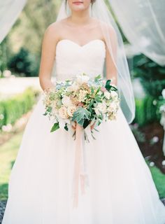 Photography: OMalley Photographers - www.omalleyphotographers.com  Read More: http://www.stylemepretty.com/2015/01/02/romantic-garden-party-wedding/