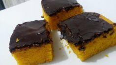 O Bolo de Cenoura Tradicional é aquele que fica amarelinho e fofinho por dentro e tem aquela cobertura de chocolate durinha por fora. O melhor é que você p