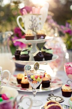 Mad-Hatter tea party (Hilary Cam Photography)