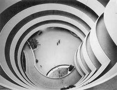 I LOVE the Guggenheim...    Solomon R. Guggenheim Museum, New York - F.L.Wright